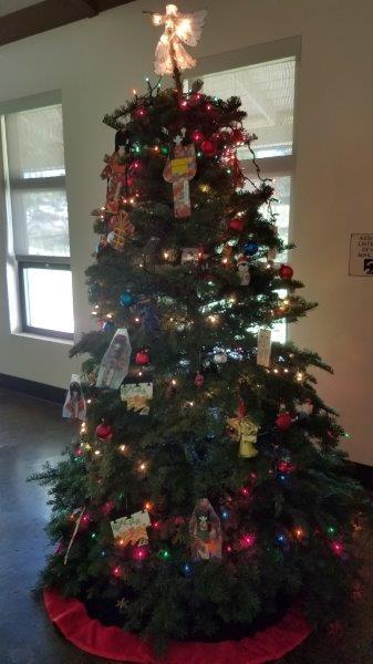 2018 November 26 Tree Decorating-2