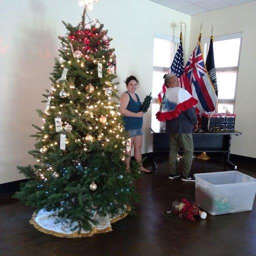 2018 November 26 Tree Decorating-4
